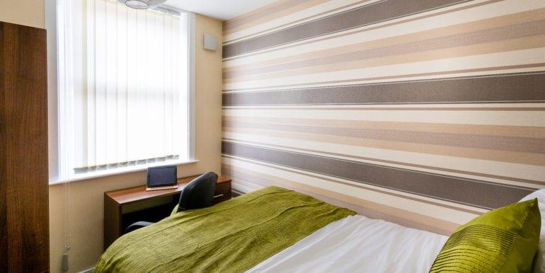 bedroom without bay window brown spec 1