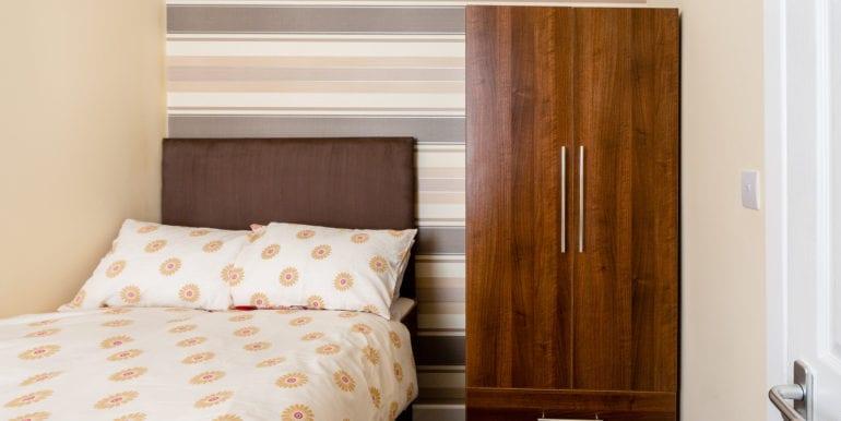 bedroom without bay window brown spec 2