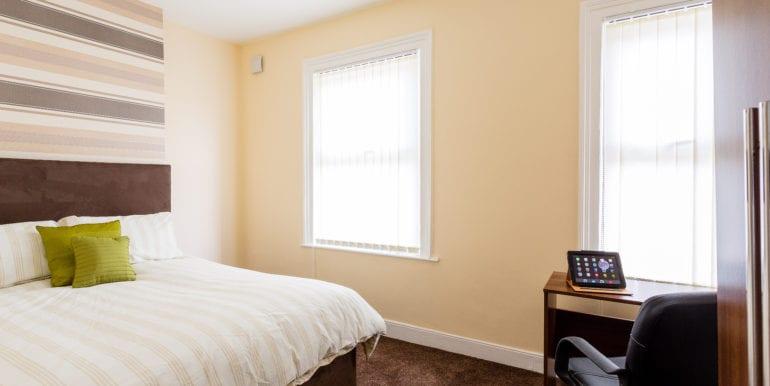 bedroom without bay window brown spec 3