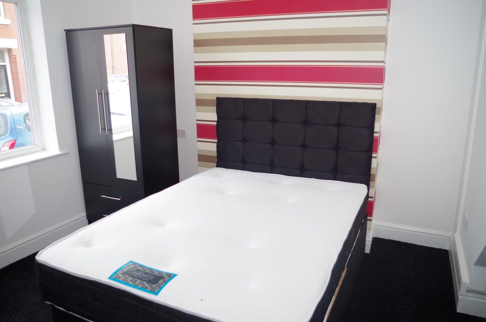 Liverpool Bedroom Bin